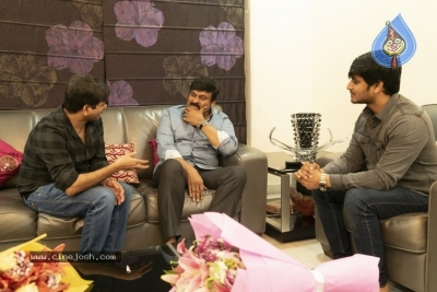 Chiranjeevi With Arjun Suravaram Team  - 8 of 9
