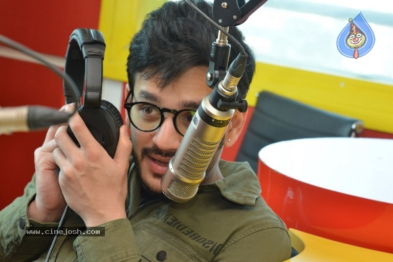Akhil Akkineni at Radio Mirchi - 5 / 17 photos