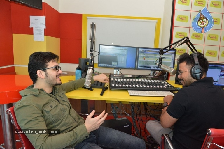 Akhil Akkineni at Radio Mirchi - 11 / 17 photos