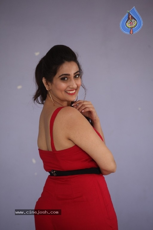 Anchor Manjusha Pics - 15 / 21 photos
