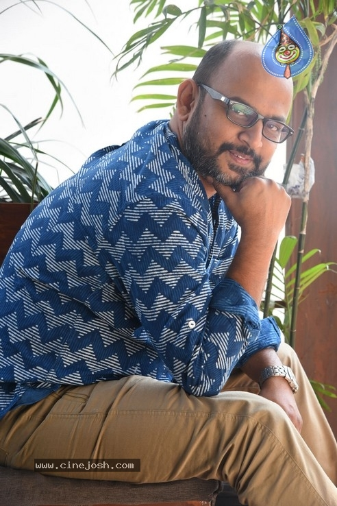 Director VI Anand Pics - 12 / 21 photos