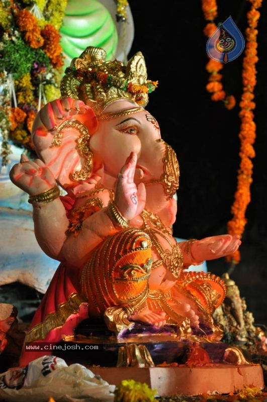 Ganesh Nimajjan At Hussain Sagar - 10 / 183 photos