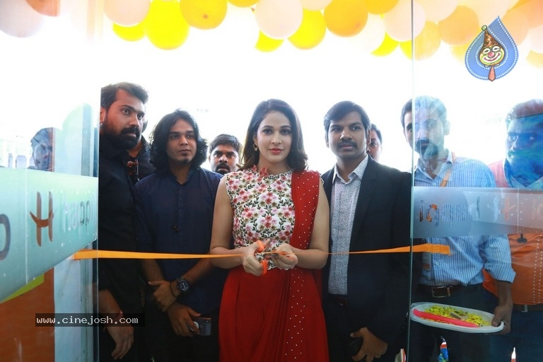 Happi Mobiles Grand Store Launched By Actress Lavanya Tripathi - 7 / 20 photos