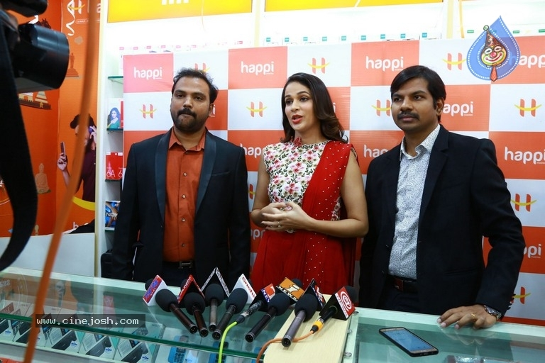 Happi Mobiles Grand Store Launched By Actress Lavanya Tripathi - 14 / 20 photos