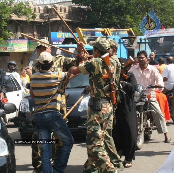 Hyderabad Old City Curfew Pics   - 20 / 102 photos