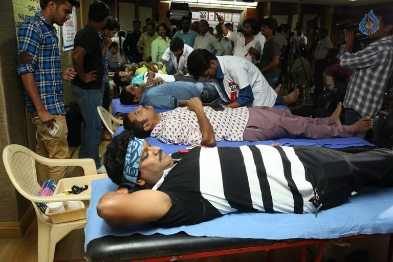 Hyderabad Talwars Blood Donation Camp Photos - 21 / 32 photos