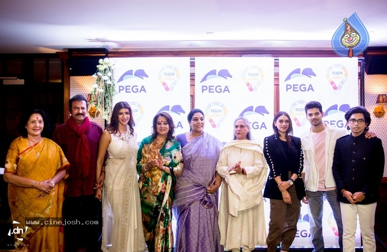Lakshmi Manchu Launches Teach For Change Nationally - 3 / 8 photos