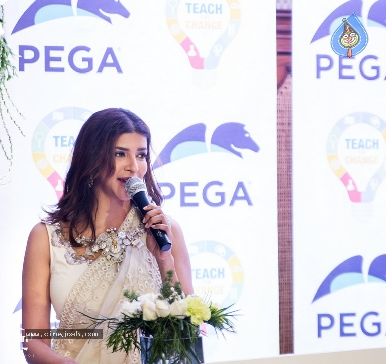 Lakshmi Manchu Launches Teach For Change Nationally - 8 / 8 photos