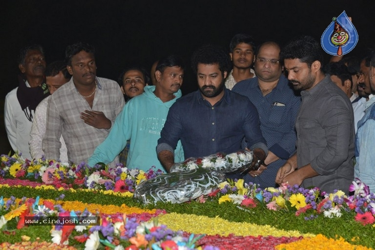 NTR Family Members at NTR Ghat - 13 / 39 photos