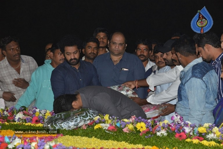 NTR Family Members at NTR Ghat - 20 / 39 photos