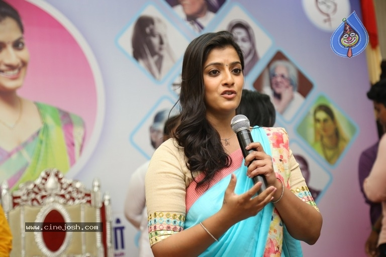 Varalaxmi Sarathkumar At Blood Donation Camp - 5 / 19 photos