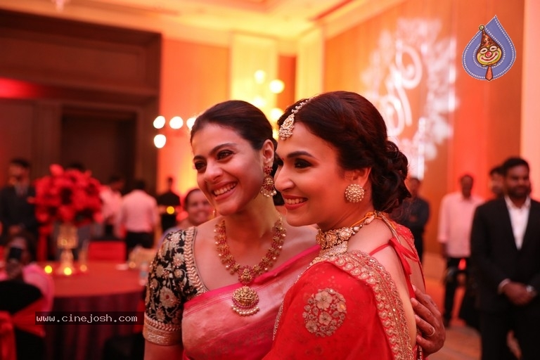 Vishagan - Soundarya Wedding Reception Photos - 1 / 9 photos