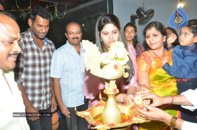 Vishal Inugurate V Square Sports Arena - 1 / 8 photos