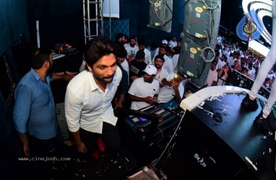 Allu Arjun at Fashion TV and Prism Club White Night Party - 7 of 18