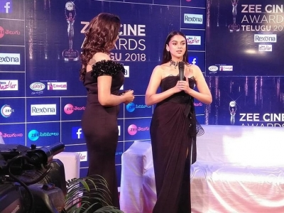 Celebrities at Zee Cine Awards 2018 | Photos Gallery