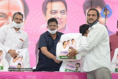 Celebs Distributes Grocery Kits - 2 of 39