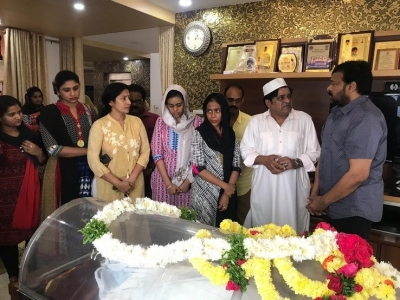 Chiranjeevi  Condolences On The Demise Of Ali Mother - 2 of 15