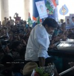 Chiru gets Rousing Reception at RGI Airport - 6 of 19