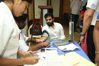 Hyderabad Talwars Blood Donation Camp Photos - 2 of 32