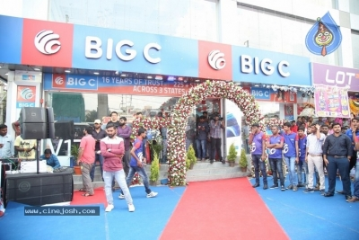 Samantha Launch One Plus Mobile At Big C - 9 of 19