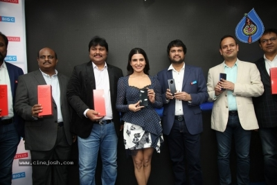 Samantha Launch One Plus Mobile At Big C - 16 of 19
