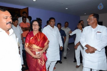 T Congress Leaders Watches Rudramadevi Movie - 1 of 33