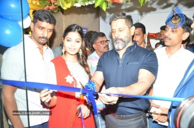 Vikram Launches Fitness Laboratory - 1 of 8