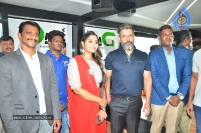 Vikram Launches Fitness Laboratory - 2 of 8