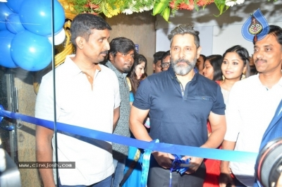 Vikram Launches Fitness Laboratory - 6 of 8