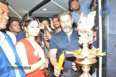 Vikram Launches Fitness Laboratory - 7 of 8