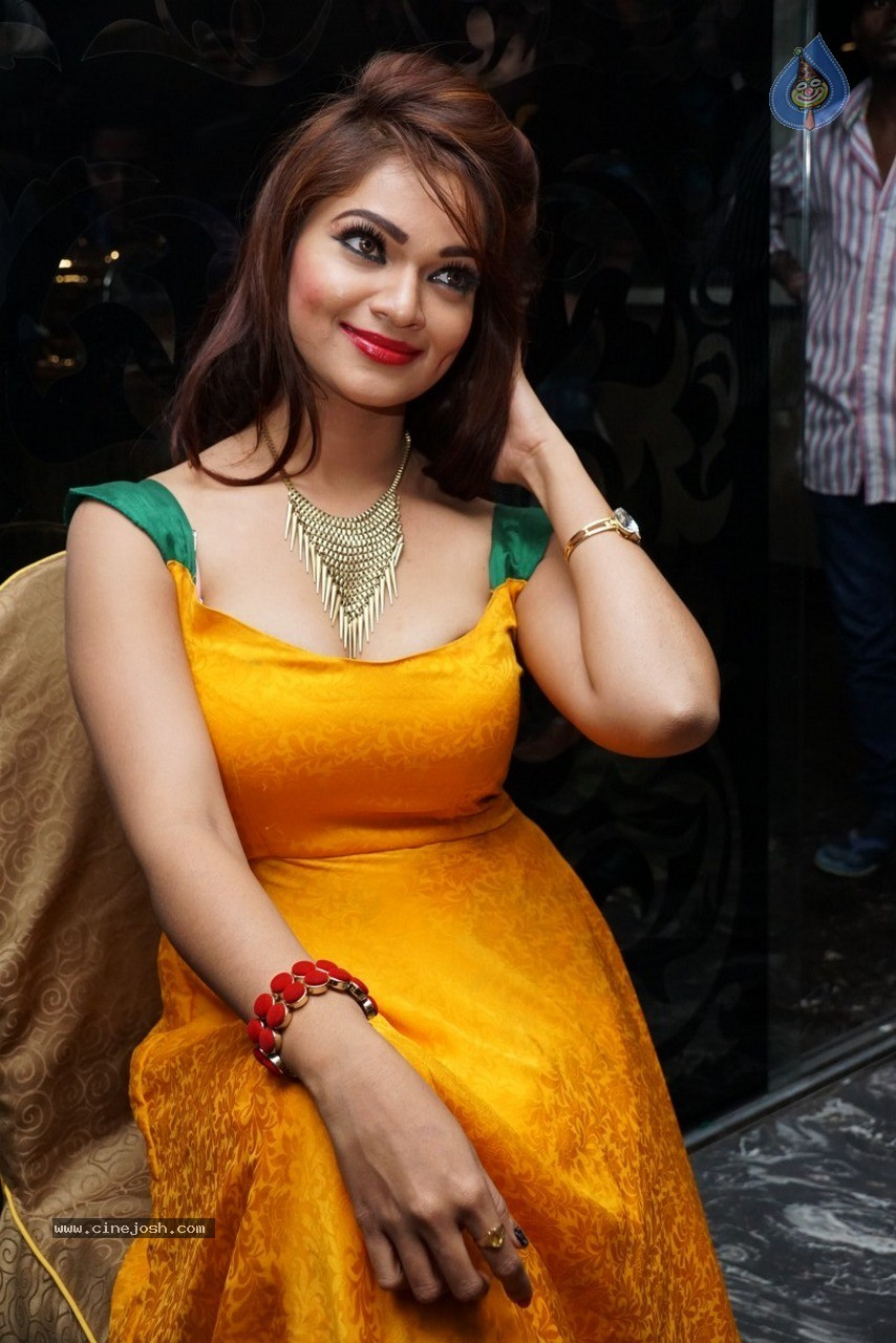Ashwini Hot Stills - 14 / 60 photos