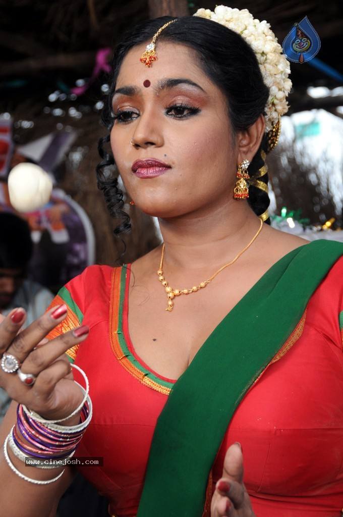 cinejosh gallereys spicy normal jayavani spicy stills 0611120906 jayavani spicy stills 0611120906 032