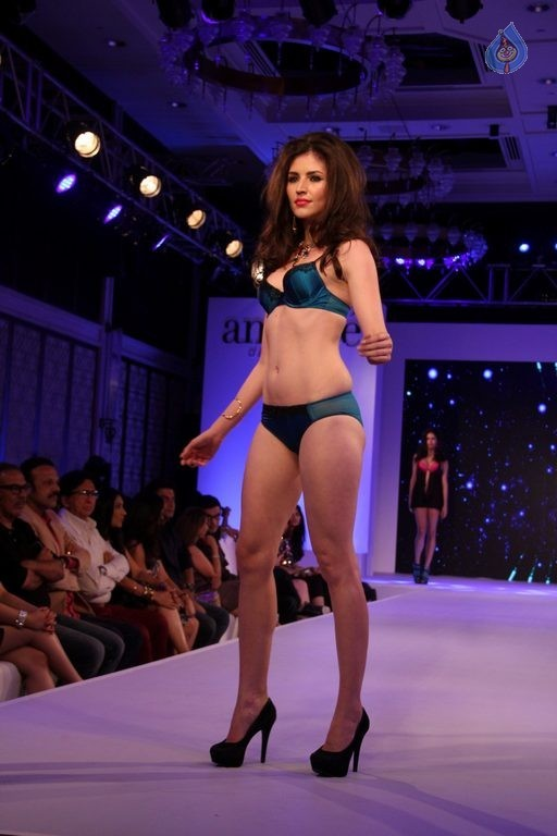 Madhur Bhandarkar Calendar Girls Fashion Show Photos - 45 / 83 photos