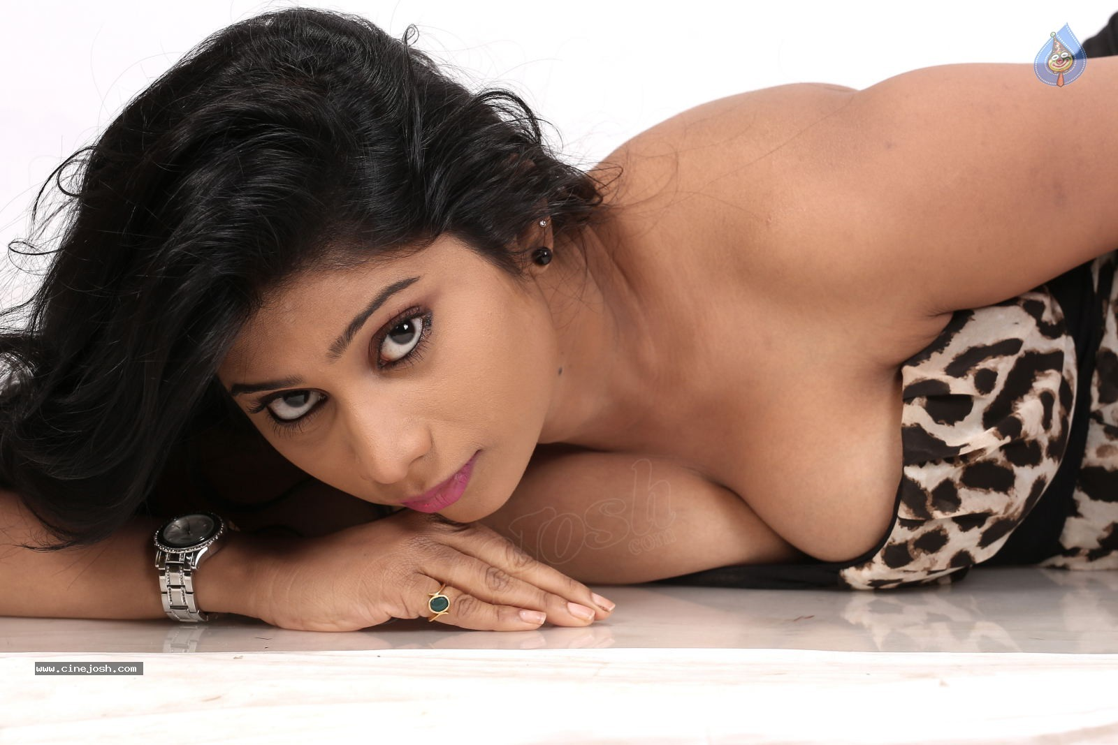 Hot nude boobs images of telugu actress