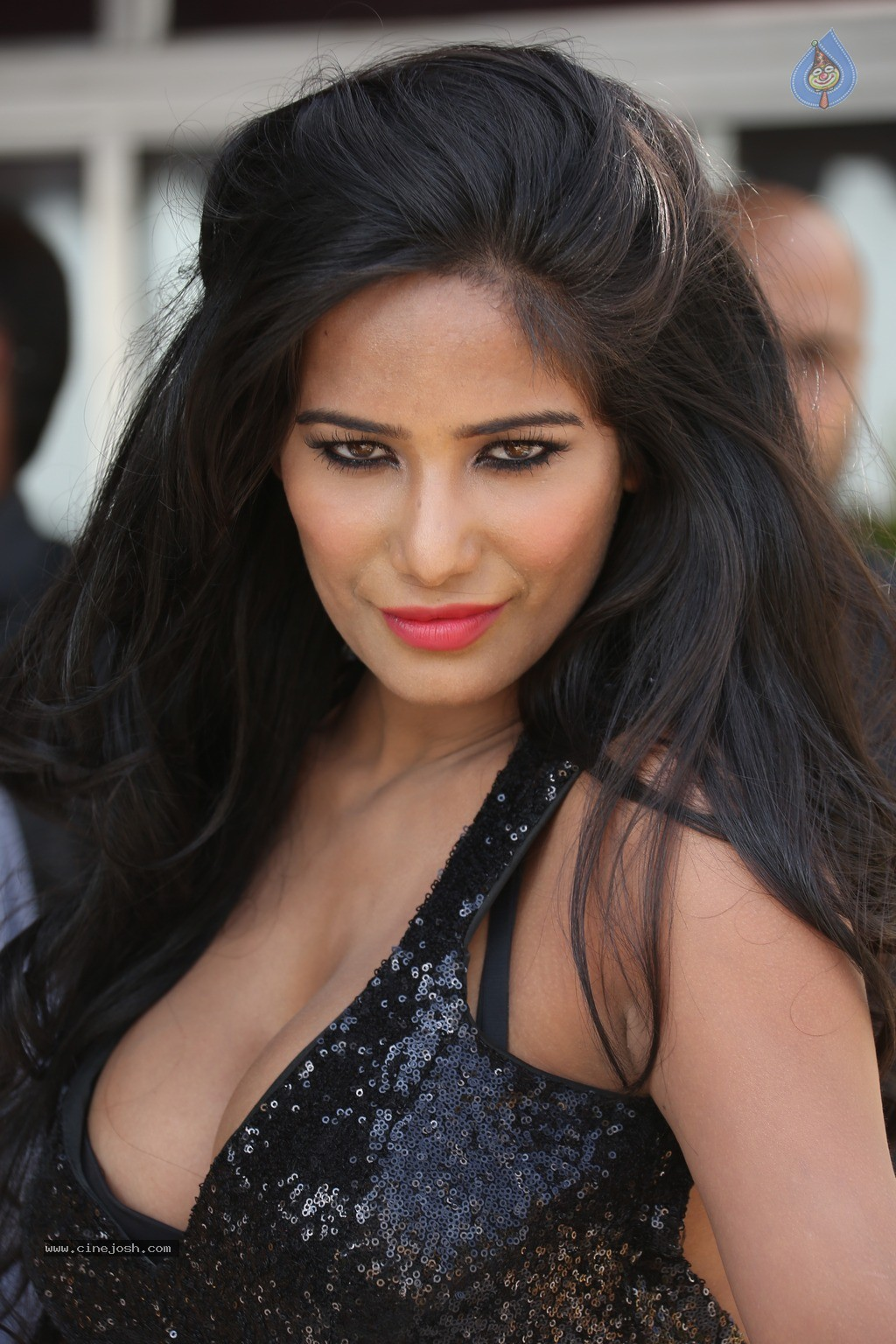 Poonam Pandey Hot Photos - 20 / 60 photos