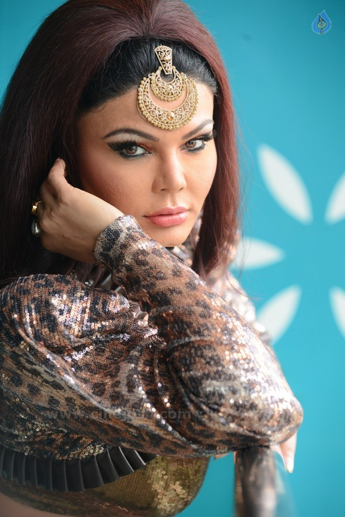 Rakhi Sawant New Pics - 16 / 58 photos