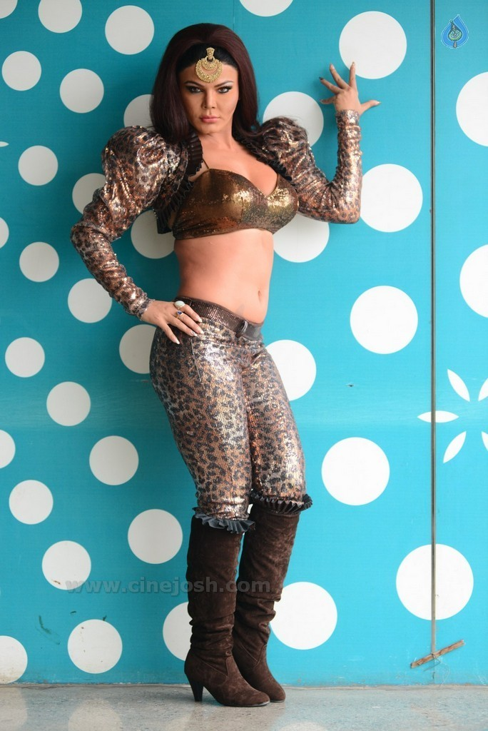 Rakhi Sawant New Pics - 18 / 58 photos