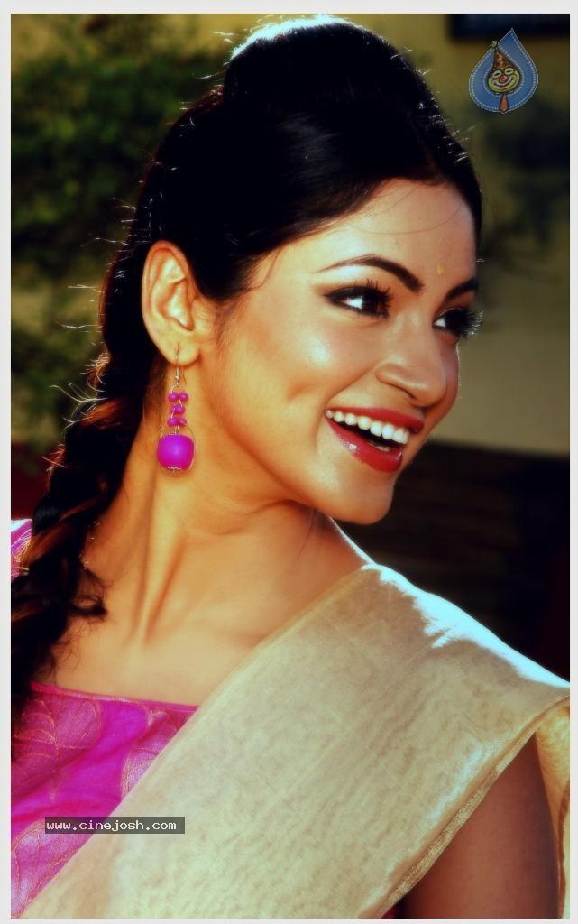 Shilpi Sharma Hot New Photos - Page 15 | Bollywood Celebs