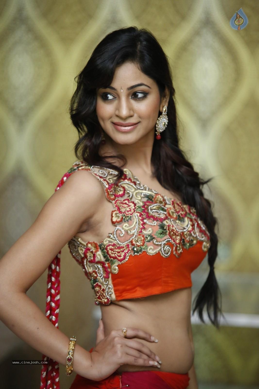 Shilpi Sharma Hot Photos - Photo 15 of 65