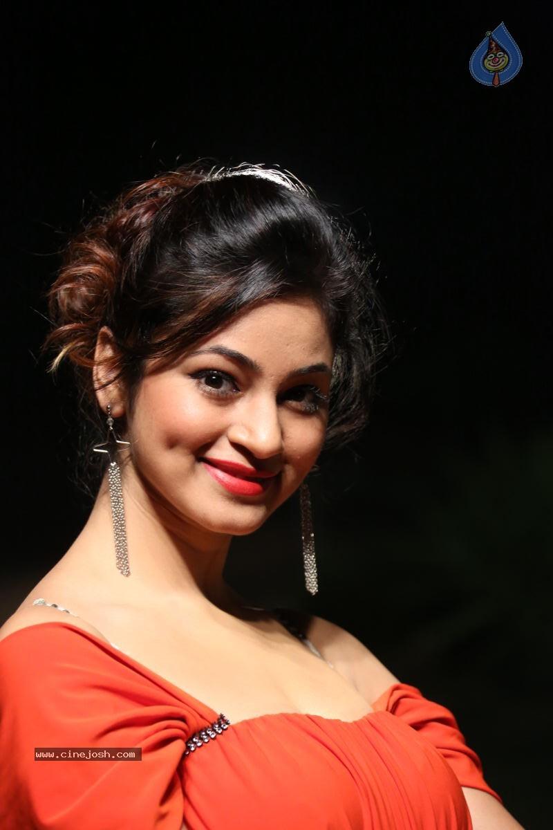Shilpi Sharma Hot Photos - Photo 15 of 102