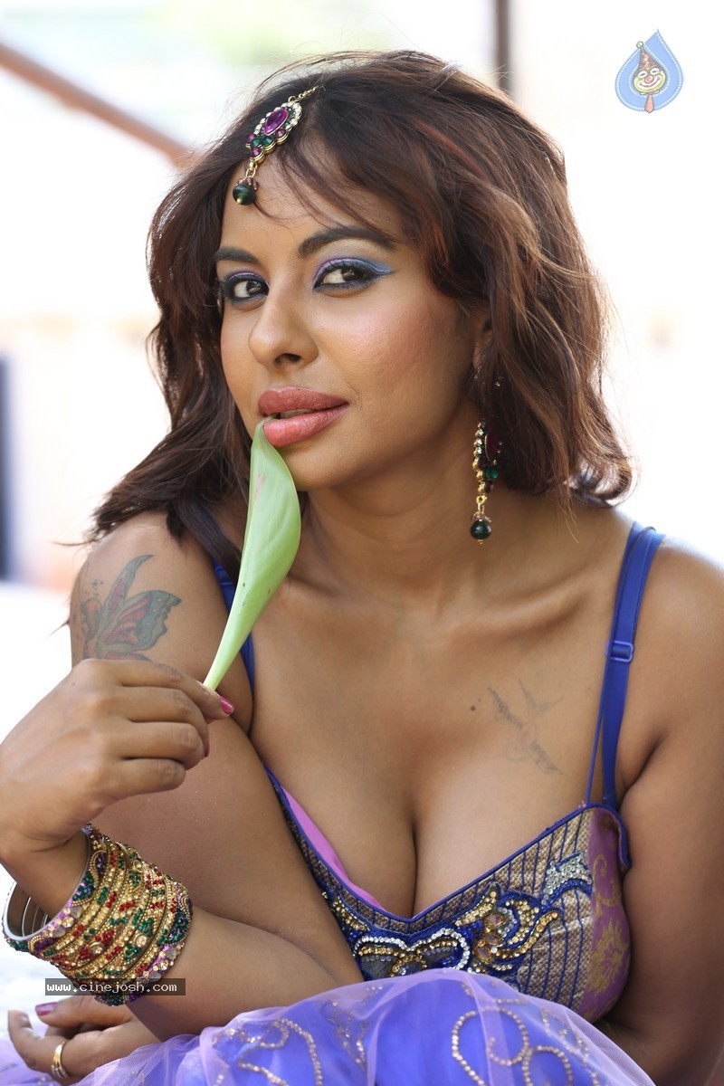 Sri Reddy Spicy Stills - Photo 16 Of 150-4678