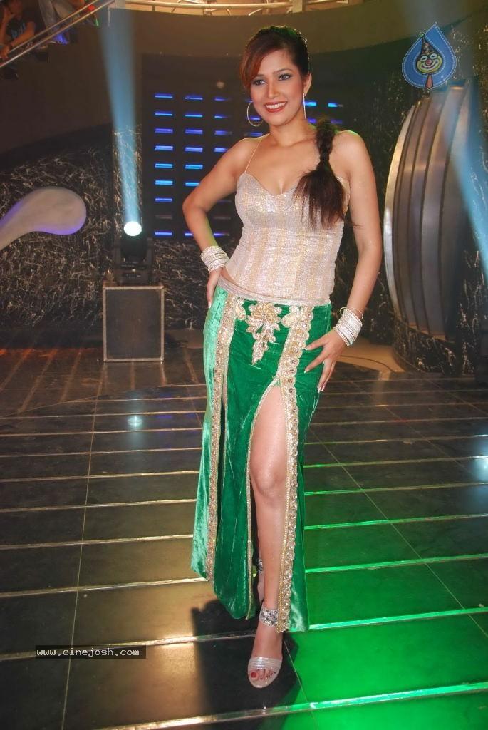 Bollywood Actress World (Original): Tanisha Singh Sizzling