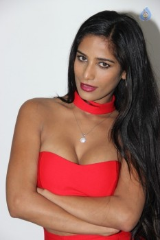 Poonam Pandey Hot Pics - 7 of 31