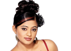 Young journos write for Priyamani's film