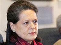 Sonia, Manmohan Singh pay tributes