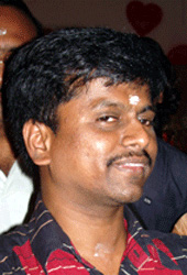 Murugadoss gets back to his roots