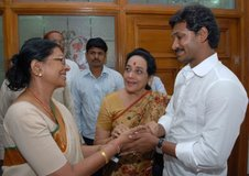 Jamuna and Sharadha met YS Jagan