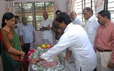 YS Jagan paying homage to Eshwar