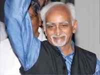 Vice-President congratulates ISRO scientists