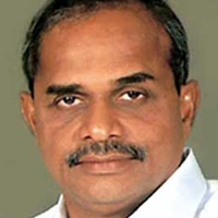 CBN feared even by the shadow of YSR.